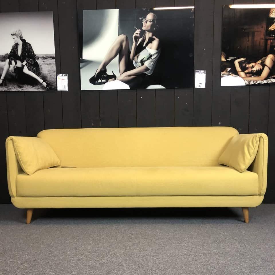 3zits Gele designbank met flapkussens
