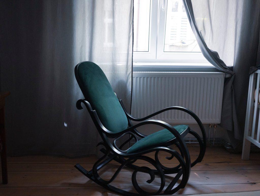 de bentwood schommelstoel