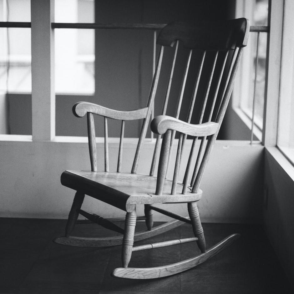 De traditionele schommelstoel