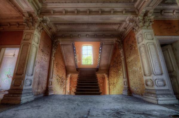 oud gebouw, trap